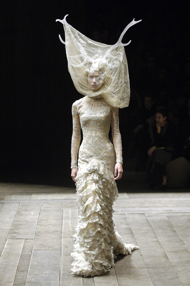 5_tulle_and_lace_dress_with_veil_and_antlers_widows_of_culloden_aw_200607_model_raquel_zimmerman_viva_london_image_firstview